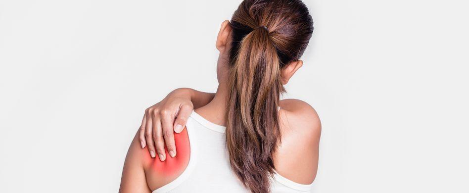 Kalkschulter behandeln: 4 Möglichkeiten gegen die Schmerzen