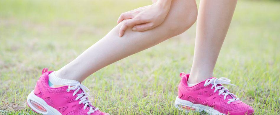 Wadenkrämpfe: 9 Ursachen, die dahinterstecken können