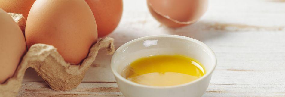 Lebensmittelhygiene: Der richtige Umgang mit rohen Eiern und Geflügel