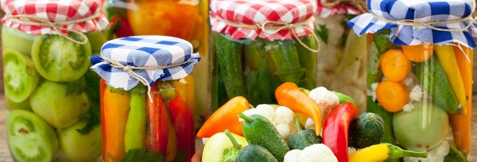 Lebensmittel haltbar machen: Einlegen, Einkochen, Einfrieren - so gelingt´s