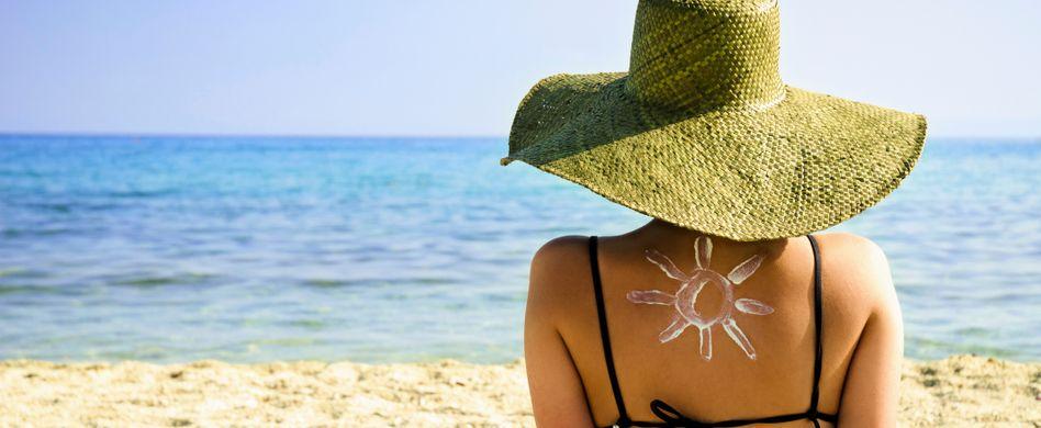 Lästiger Ausschlag auf Körper und Gesicht: Sonnenallergie behandeln