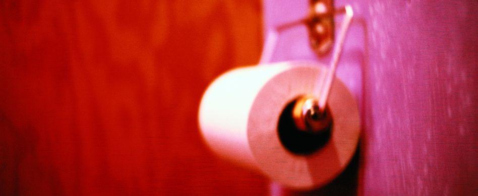 Auf toilettenpapier blut ᐅ Blut