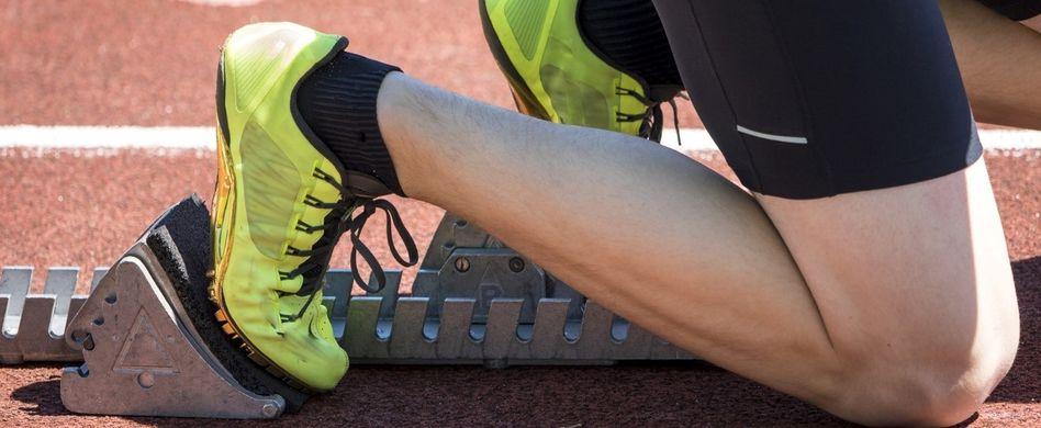 sportler kurz vorm rennen