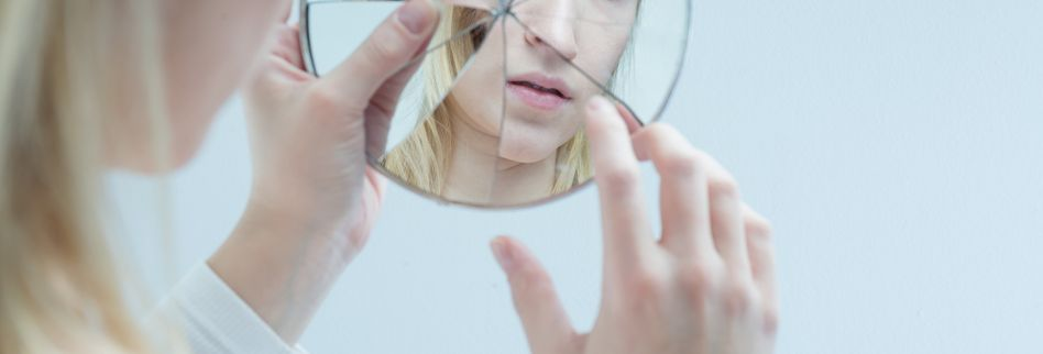 Narzissmus behandeln: Diese Therapiemöglichkeiten gibt es