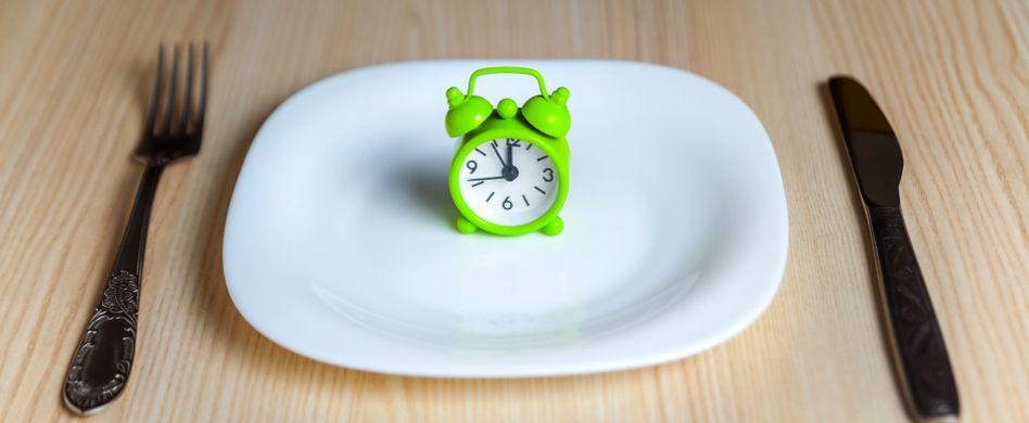 Intervallfasten: Anleitung für das Fasten mit Pausen