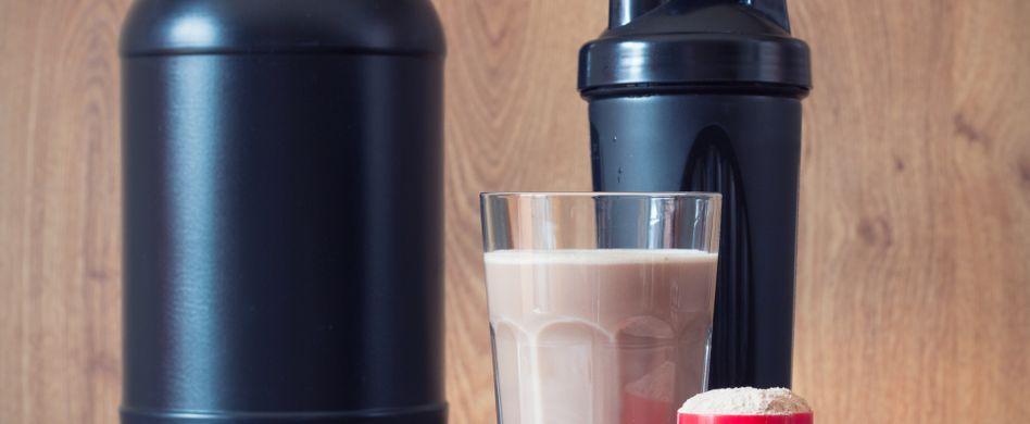 Abnehmen mit Molke: 3 Tipps um mit dem gesunden Drink die Pfunde purzeln zu lassen