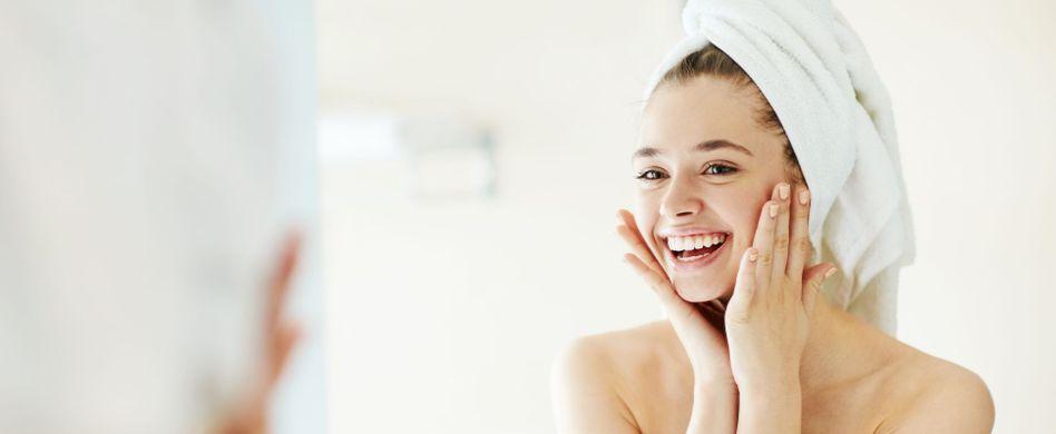 Poren verfeinern: 3 SOS-Hausmittel gegen große Poren im Gesicht