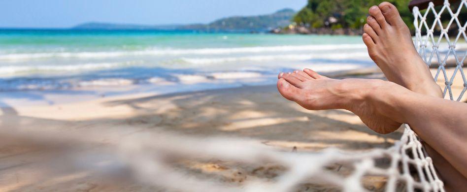 Fußpilz erkennen und behandeln: Was hilft gegen die Pilzinfektion?