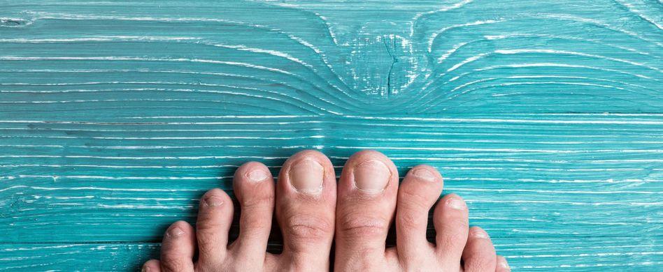 Eingewachsener Zehennagel: OP oder Selbstbehandlung – was tun?