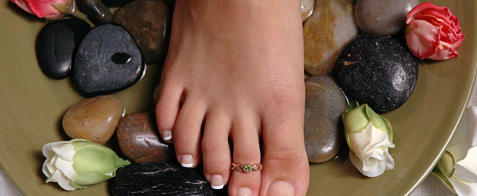 Pediküre selber machen: So gelingt die Fußpflege zu Hause