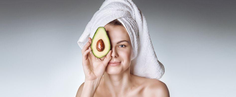 Avocado, Bier, Eier und Co.: Mit diesen Hausmitteln sorgen Sie für gepflegtes Haar
