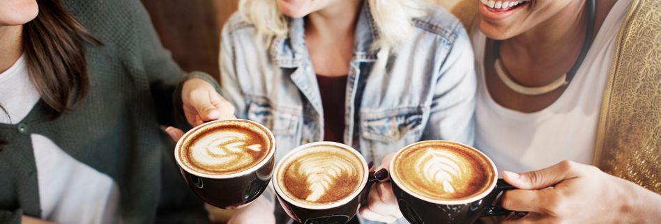 Kaffee- vs. Teeliebhaber: 5 Gründe, warum Kaffee viel besser ist als Tee