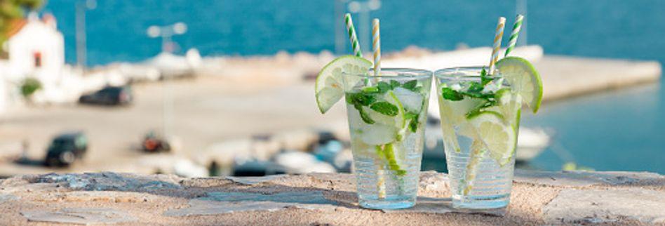 Kühle Getränke bei Hitze: So bleiben Sie im Sommer cool