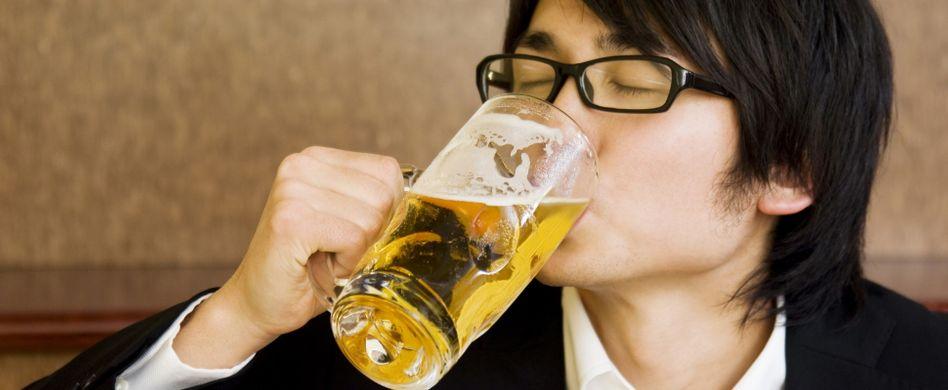 Asiaten vertragen keinen Alkohol – Wahrheit oder Vorurteil?