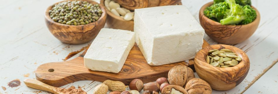 Eier, Käse & Co. vermeiden: 5 vegane Lebensmittel zum Ausprobieren