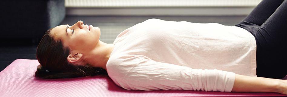 Yoga zum Einschlafen: Drei Übungen für eine ruhige Nacht