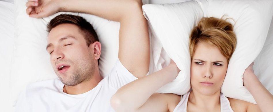 Schnarchen verhindern: 6 Tipps für eine ungestörte Nachtruhe