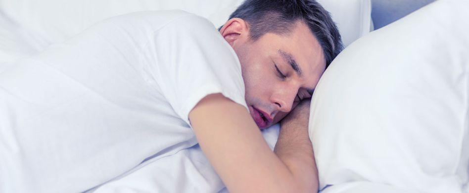 Mysteriös: 4 Gründe, warum wir im Schlaf reden