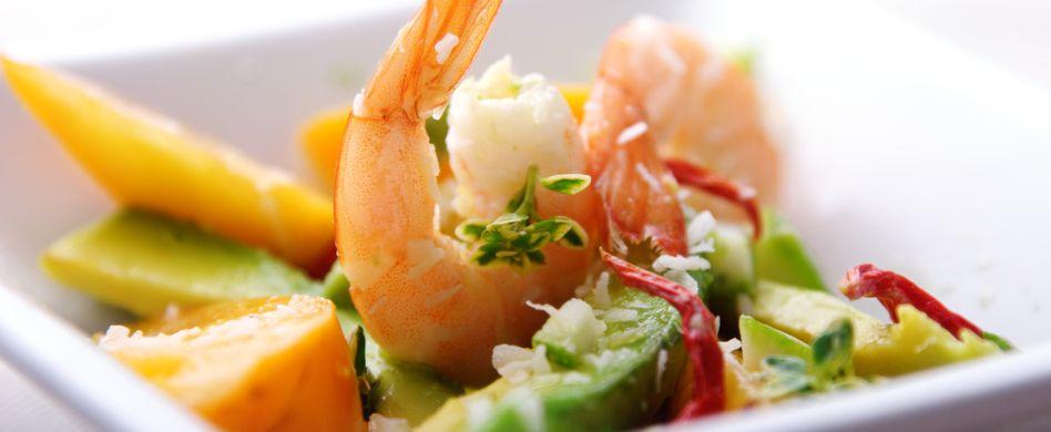 Avocado Pfirsich Salat mit Garnelen