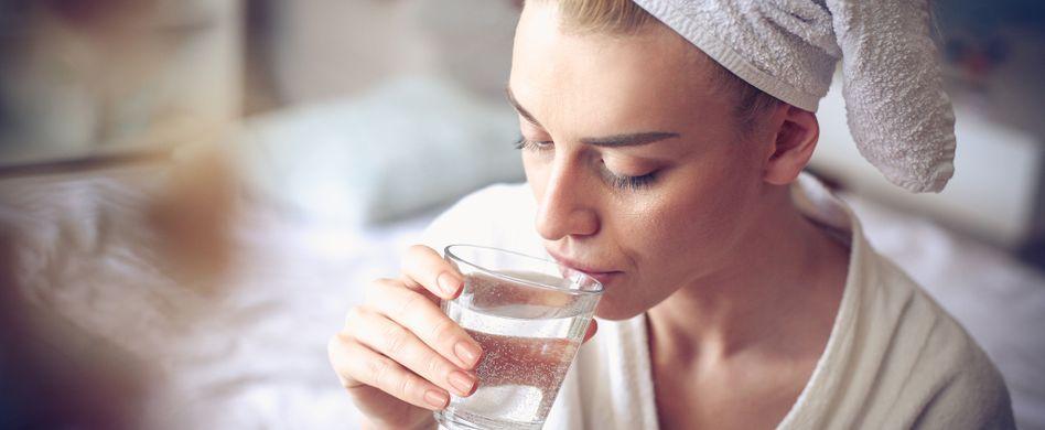 4 Gründe, warum warmes Wasser so gesund ist