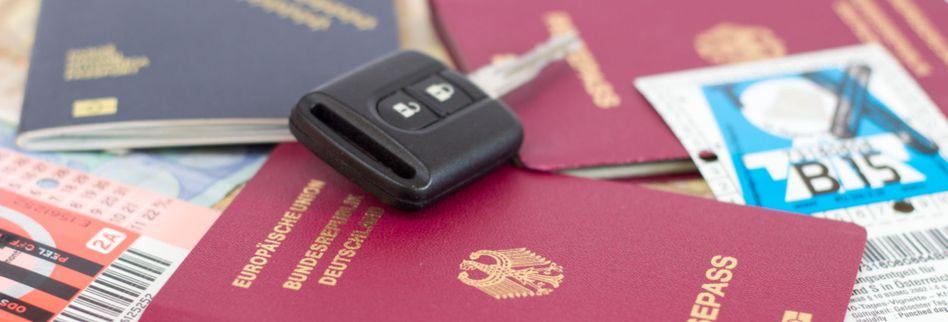 Mit dem Auto im Ausland: Daran sollten Sie denken