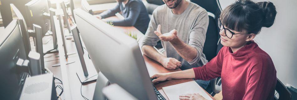 E-Mails checken, Facebook und Co.: Was darf ein Arbeitnehmer?