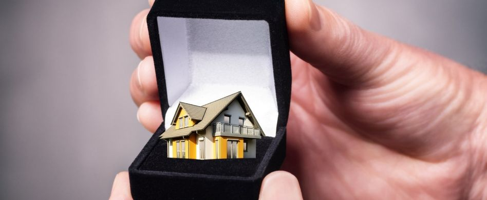 Schenkung einer Immobilie: 5 Dinge, die Sie beachten sollten