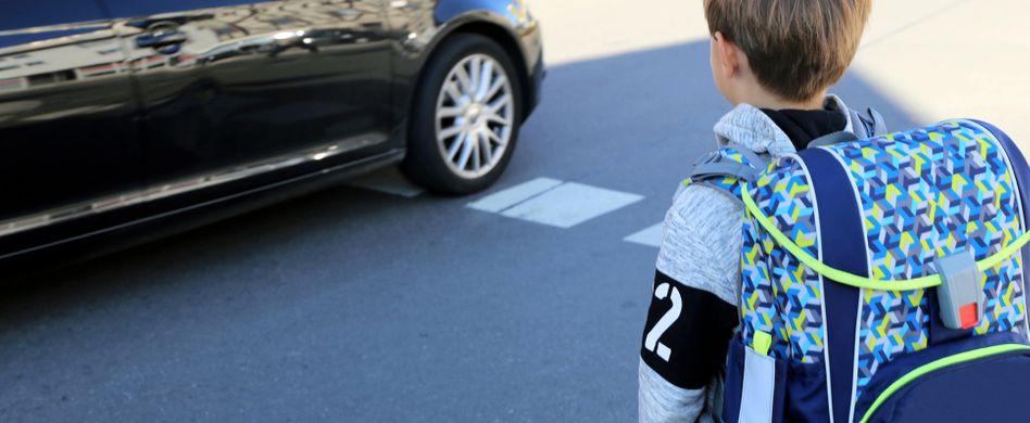 Sicherer Schulweg: Wann können Kinder allein zur Schule gehen?