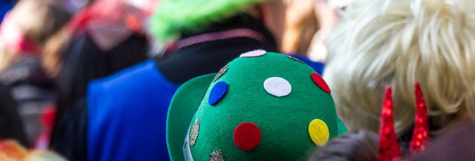 Wildpinkeln an Karneval - Wieviel Narrenfreiheit ist erlaubt?