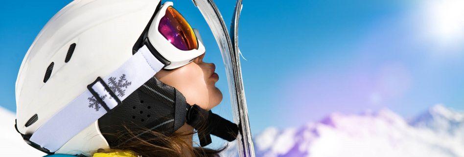 Sicher Skifahren: Welche Versicherungen brauchen Wintersportler?
