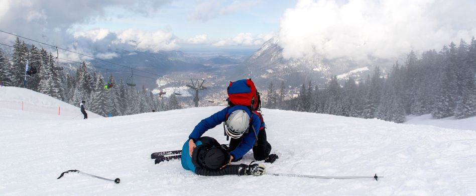 SOS auf der Piste: Richtiges Verhalten bei Skiunfällen