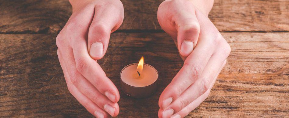Heizen mit Kerzen: Wie viel bringt das?