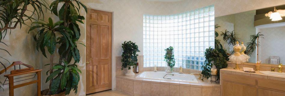 Glasbausteine: Moderne Innenraumgestaltung mit bewährtem Material