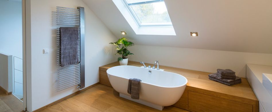 6 Tipps, wie Sie ein Badezimmer unterm Dach gestalten