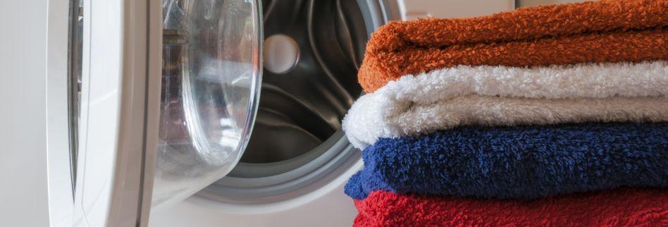 Handtücher weich bekommen: Mit diesen Tricks wird aus hart flauschig