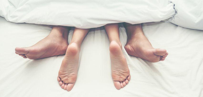 Spermaflecken entfernen → Lesen Sie, wie sie aus Matratze