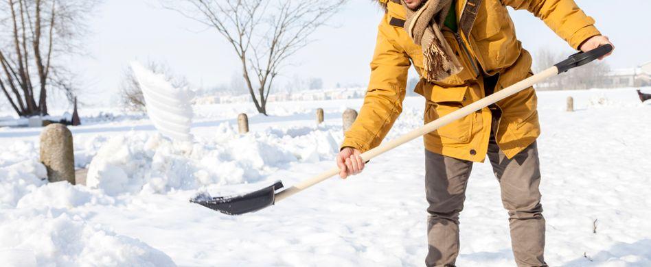 Richtig Schneeräumen: 4 Tipps zum effektiven Schneeschippen