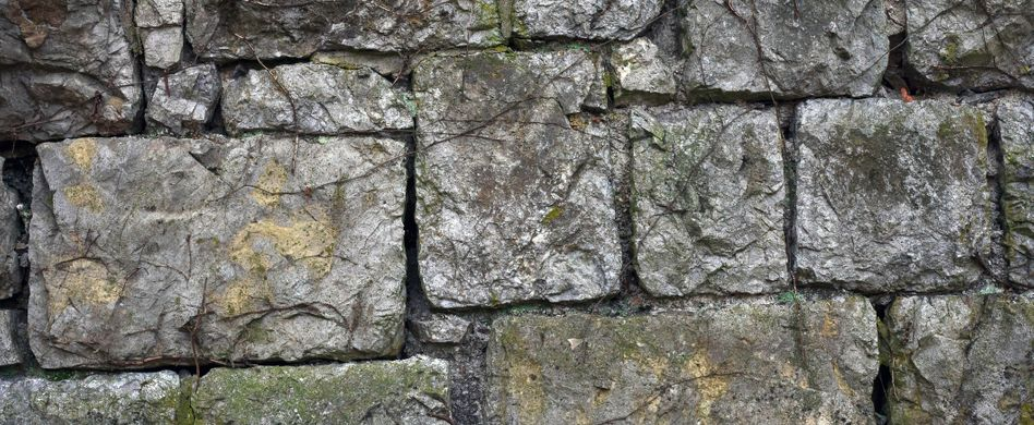 Trockenmauer bauen: Stein für Stein zur rustikalen Gartenmauer