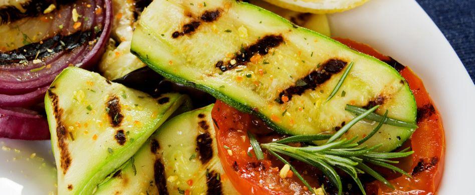 Zucchini grillen: 7 Tipps für die leckere Grillbeilage