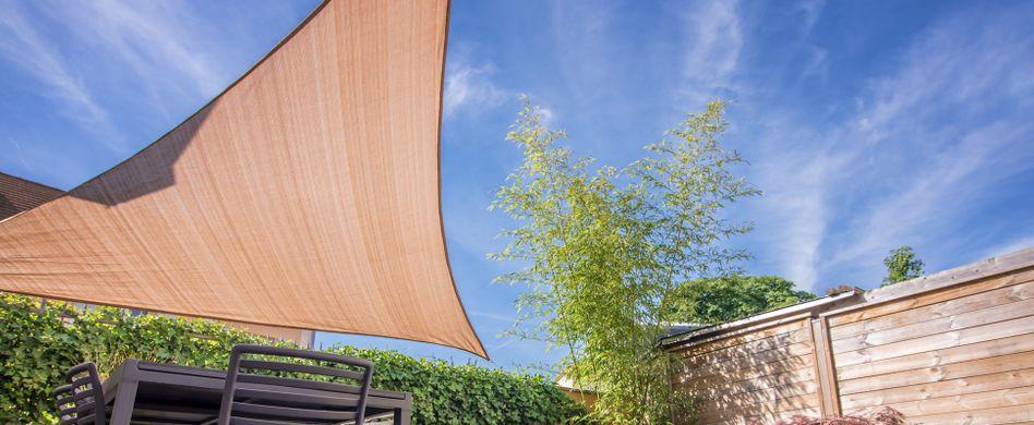 Sonnensegel für die Terrasse: Tipps zur Terrassenüberdachung