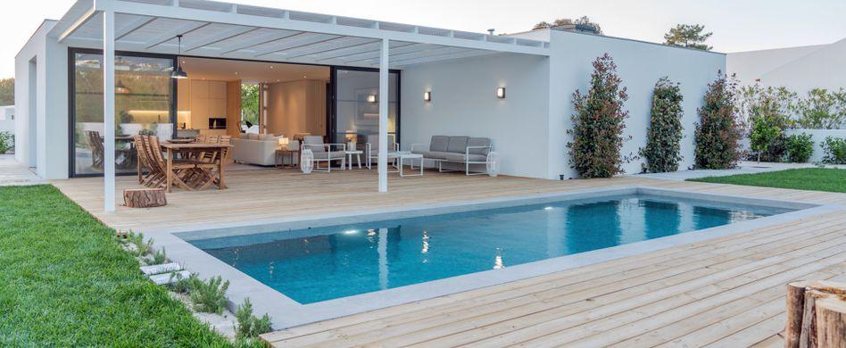 Pool im Garten: Wissenswertes zu Planung, Kosten und Co.
