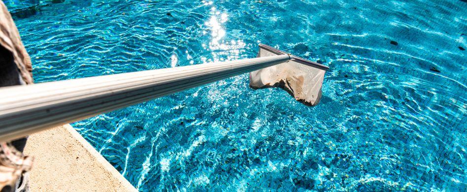 Pool winterfest machen: Daran sollten Sie denken