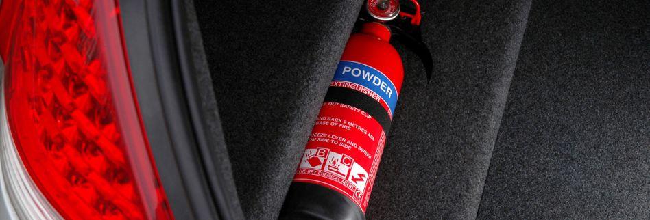 Ist ein Feuerlöscher im Haus und Auto Pflicht?