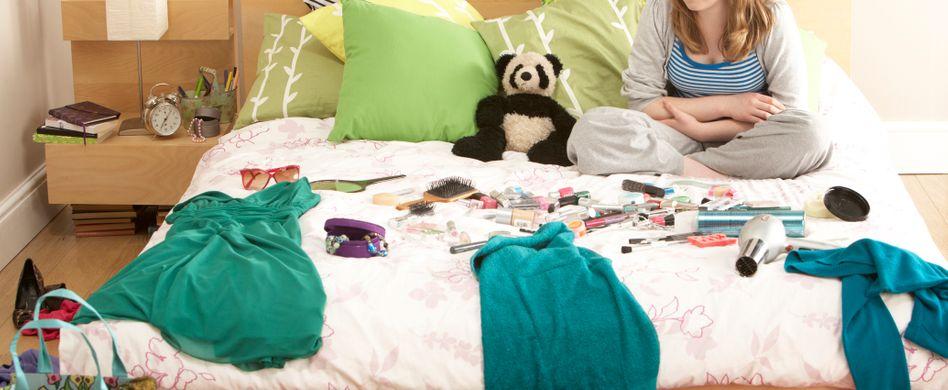 Zimmer aufräumen: Nicht ohne diese 8 praktischen Tipps!