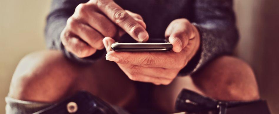 Die 5 Klogänger-Typen: Vom Nestbauer bis zum Smartphone-Checker