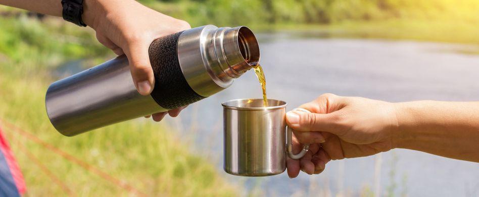 Thermoskanne reinigen: Mit Hausmitteln zur sauberen Flasche