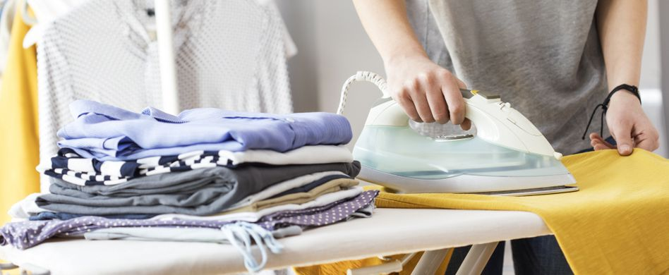 Wäsche bügeln: 6 coole Tipps, mit denen Sie Zeit und Geld sparen