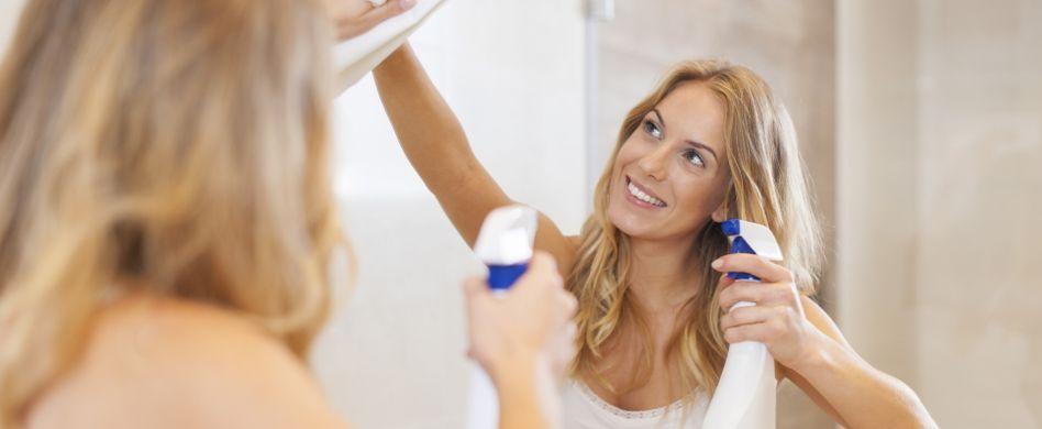 Spiegel reinigen: 4 streifenfreie Tipps