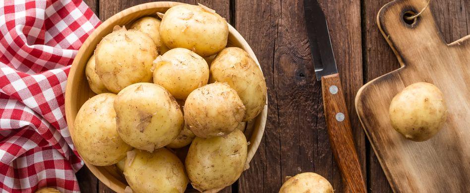 Kartoffeln schnell schälen: Dieser Trick spart richtig viel Zeit