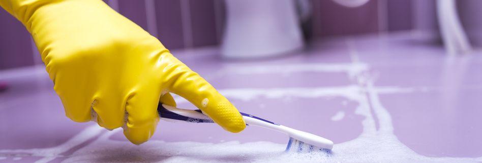 Fliesen reinigen → Lesen Sie mehr zu 3 effektiven Hausmitteln